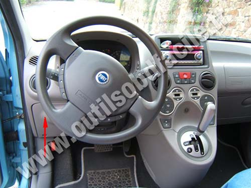prise obd2 dans les fiat panda 2 2003 2012 outils obd facile. Black Bedroom Furniture Sets. Home Design Ideas