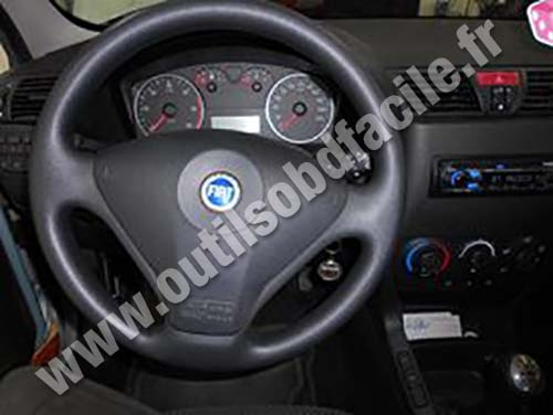 prise obd2 dans les fiat stilo 2001 2007 outils obd. Black Bedroom Furniture Sets. Home Design Ideas