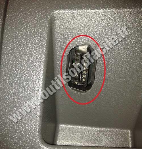 Prise OBD2 dans les Ford C-Max (2003 - 2010) - Outils OBD ...