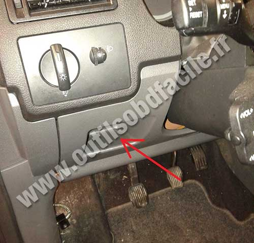 Prise obd2 dans les ford c max 2003 2010 outils obd facile