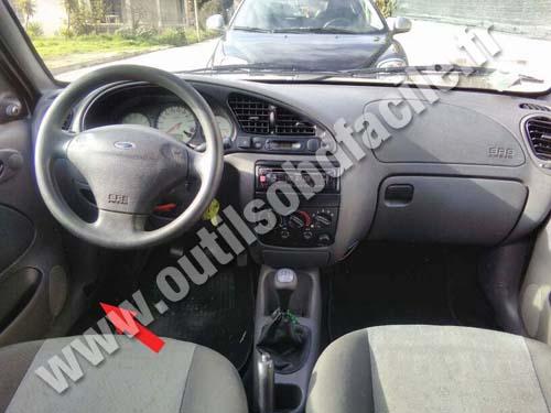 Prise Obd2 Dans Les Ford Fiesta 1995 1999 Outils Obd