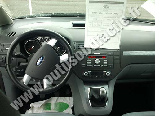 Prise OBD2 dans les Ford Focus (2004-2011) - Outils OBD Facile
