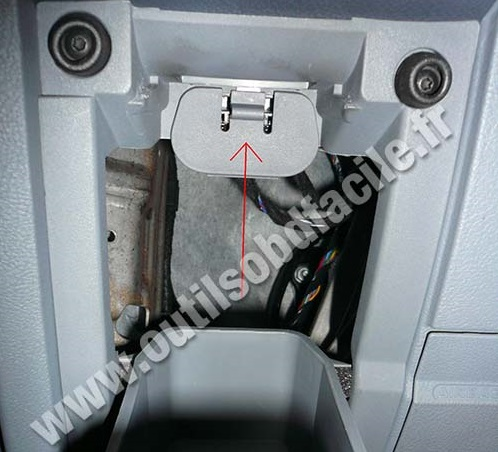 Dodge Avenger 2 4 Engine Diagram besides 2005 Ford F250 Fuse Box Layout further Cabin Air Filter Location 2013 Ford Escape furthermore Taurus Fuse Box Layout likewise 00 Ford F 150 Fuse Box Diagram. on 2012 ford fusion wiring diagram