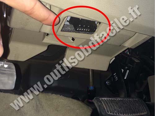 Prise OBD2 dans les Hyundai Santa Fe 2 (2006 - 2012) - Outils OBD Facile