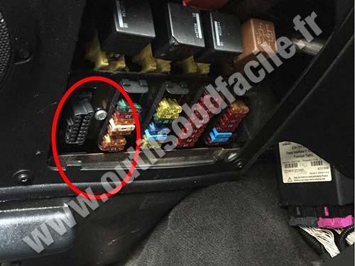 Prise OBD2 dans les Land Rover Defender  2007  2016