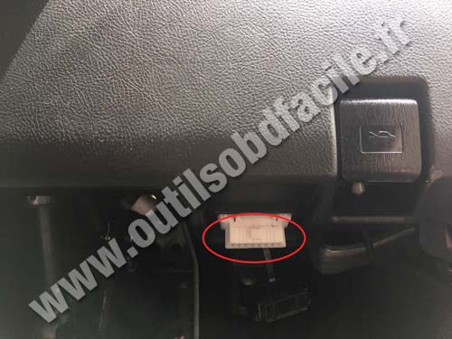 Lexus IS XE10 - Prise OBD
