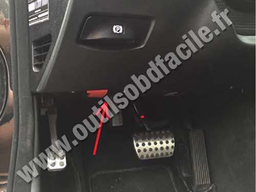 Prise Obd2 Dans Les Mercedes E Class W211 2003 2009