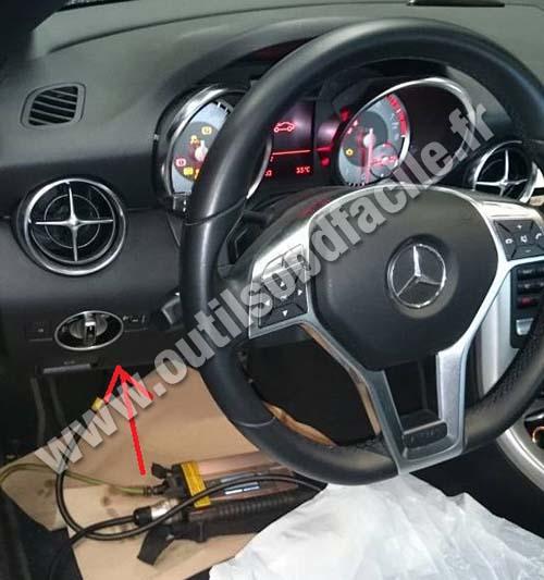 Prise Obd2 Dans Les Mercedes Slk Class R172 2011