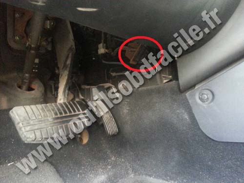 Volkswagen Eos Plug Diagnostic Obd further Honda Crv Hard Spare Tire Cover furthermore Mitsubishi Galant Pedalier Accelerateur Prise Obd additionally Inj Ddge further Honda Accord Obd Diagnostic Socket. on 2015 honda accord obd port location
