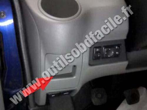 Prise Obd2 Dans Les Nissan Nv200 2009 Outils Obd