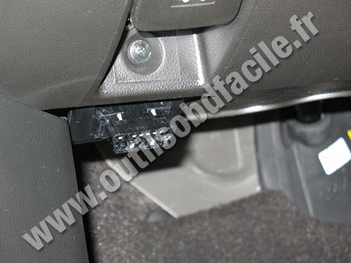 prise obd2 dans les opel antara 2006 2014 outils obd facile. Black Bedroom Furniture Sets. Home Design Ideas