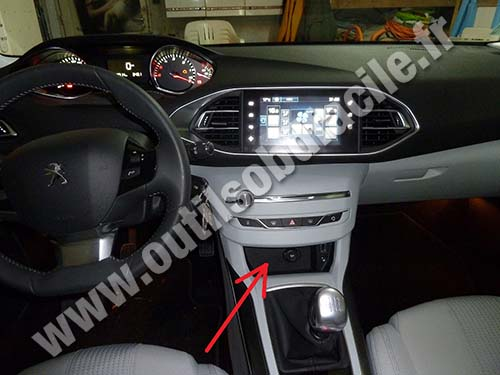 prise obd2 dans les peugeot 308 2013 outils obd facile. Black Bedroom Furniture Sets. Home Design Ideas