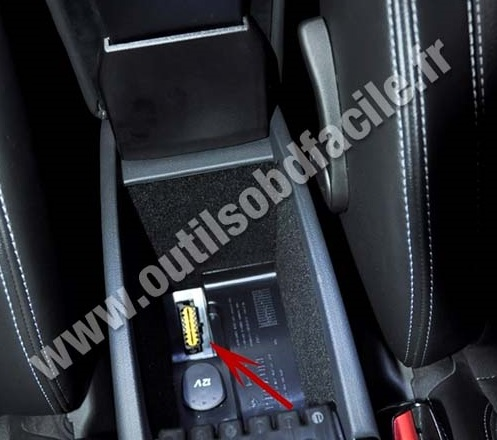 prise obd2 dans les renault laguna 3 phase 2 2010 2013 outils obd facile. Black Bedroom Furniture Sets. Home Design Ideas