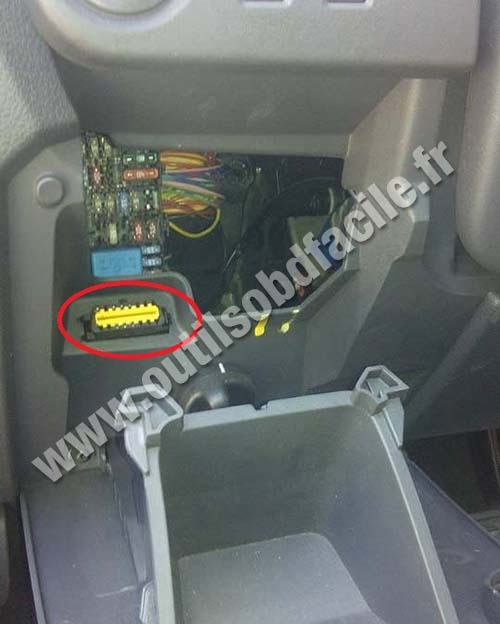 prise obd2 dans les renault lodgy 2012 outils obd facile. Black Bedroom Furniture Sets. Home Design Ideas