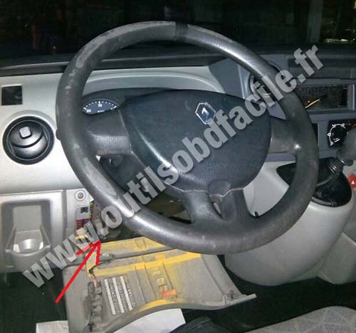 Prise OBD2 dans les Renault Master (1997 - 2010) - Outils ...