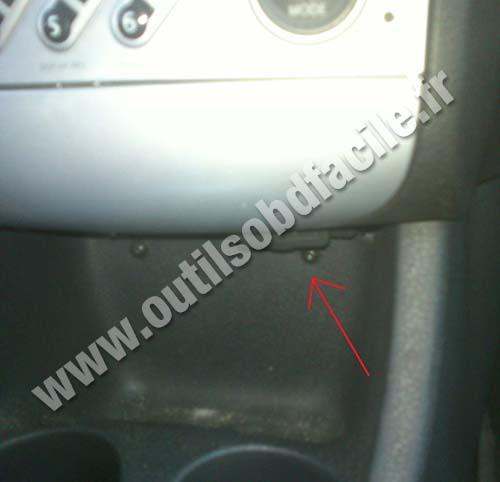 prise obd2 dans les renault modus 2004 2012 outils obd facile. Black Bedroom Furniture Sets. Home Design Ideas