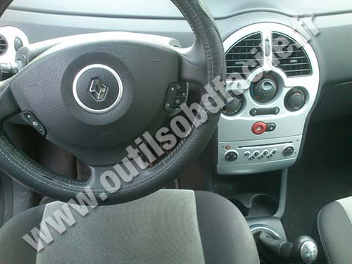 prise obd2 dans les renault modus 2004 2008 outils obd. Black Bedroom Furniture Sets. Home Design Ideas