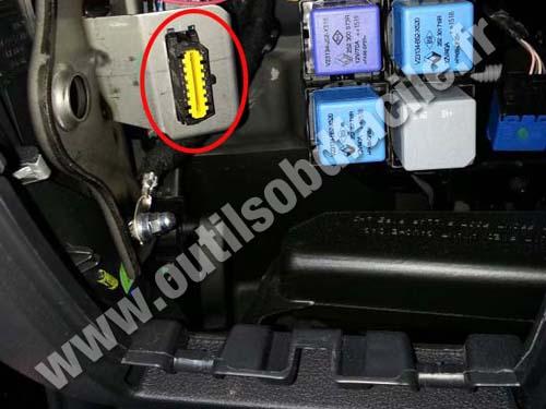 Prise OBD2 dans les Renault Trafic 3 (2014 - ...) - Outils ...