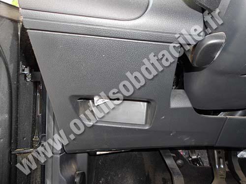 prise obd2 dans les seat ibiza 2002 2008 outils obd facile. Black Bedroom Furniture Sets. Home Design Ideas