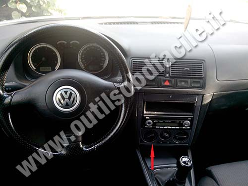 prise obd2 dans les volkswagen golf iv 1997 2004 outils obd facile. Black Bedroom Furniture Sets. Home Design Ideas
