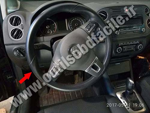 prise obd2 dans les volkswagen golf plus 2005 2014 outils obd facile. Black Bedroom Furniture Sets. Home Design Ideas