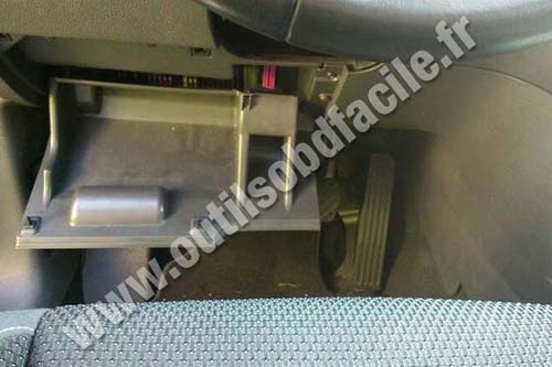 Prise OBD2 dans les Volkswagen Touran 2  2010  2015   Outils OBD Facile